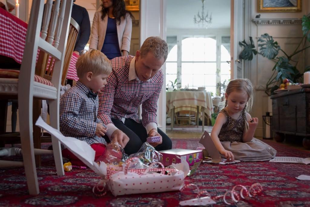 carolina_romare-christmas_gifts-2403